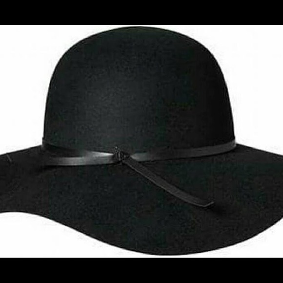 Old Navy Accessories - Old Navy Black Floppy Hat bcde27c0fba2